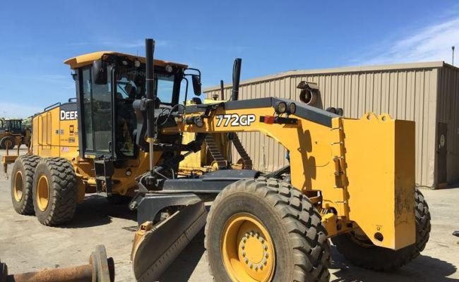 Tractors | John Deere CA