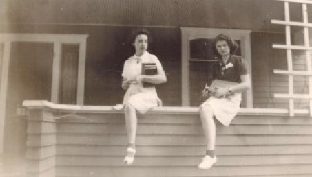 Genny and Wanda at Uncle John's house (George Lundin) 1942
