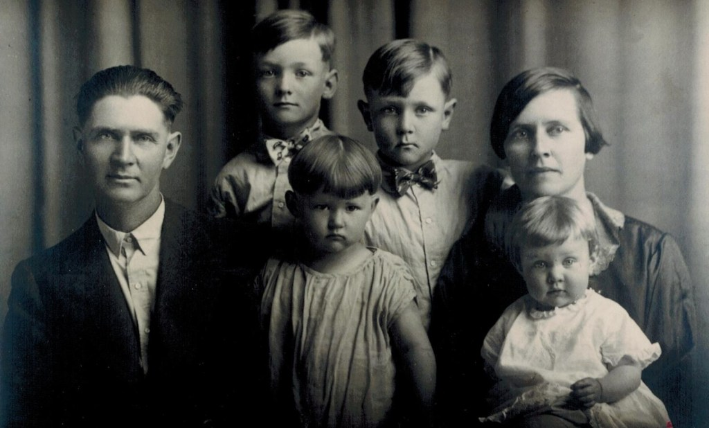 Kellers and four kids (2)