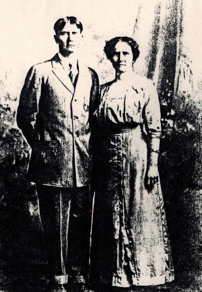 LYnn and Emma Keller wedding (2)