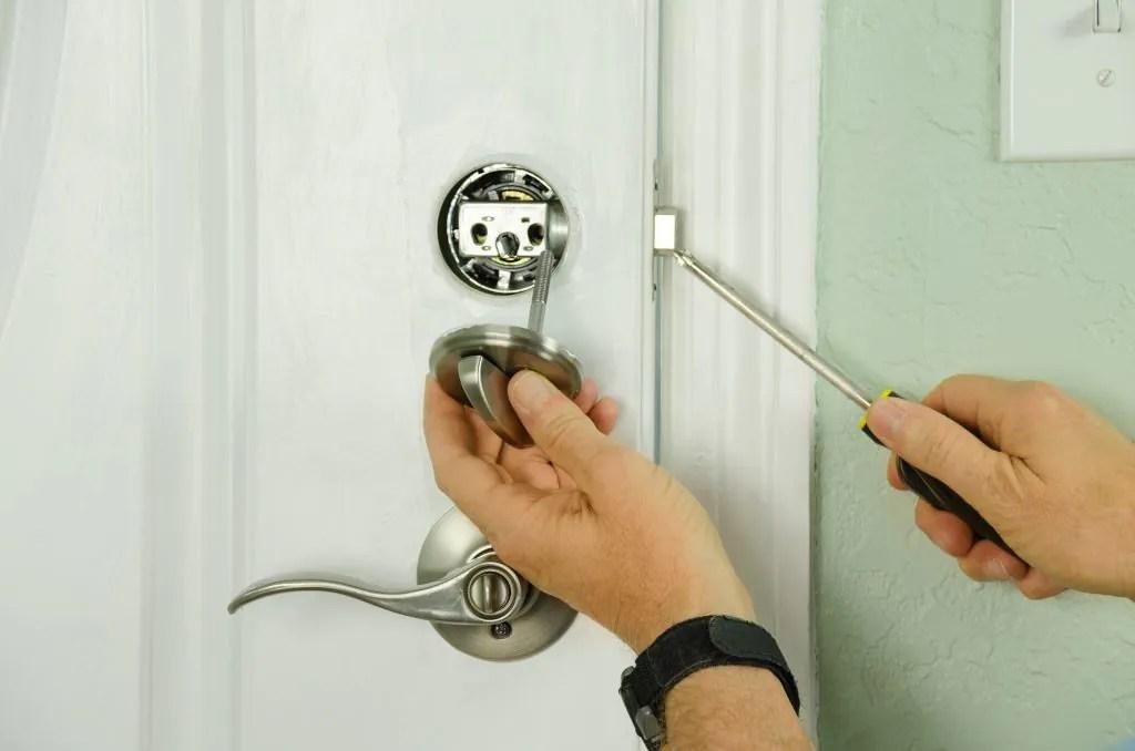 locksmith-car-lock-nassau-county-ny-lockout-auto-home-house-locks-oceanside-new-york-service-office-key