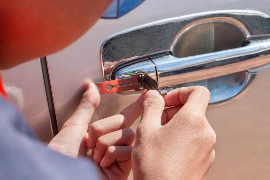 lockout-ny-automobile-11572-automotive-locks-house-locksmith-nassau-county-new-york-auto-home-key-oceanside-car-lock-queens-office