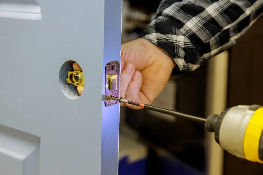 ny-car-lockout-home-lock-locksmith-automobile-auto-oceanside-key-automotive-locks-office-11572