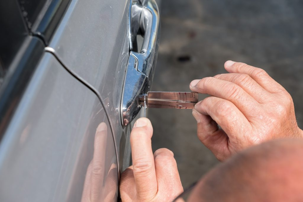 car-locksmith-nassau-county-cadillac
