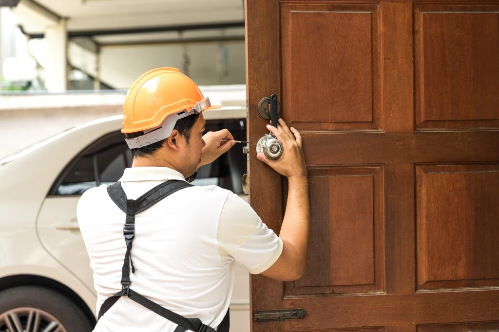 Hire The Best Automotive Locksmith Near Me Services