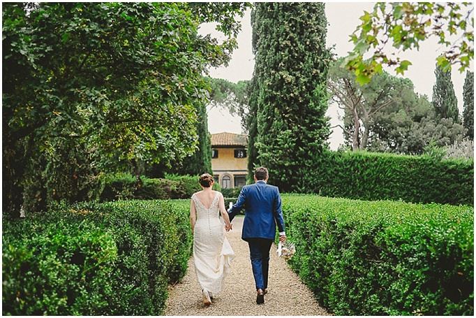 A beautiful rustic wedding in the Tuscan countryside. {L&V Photography }