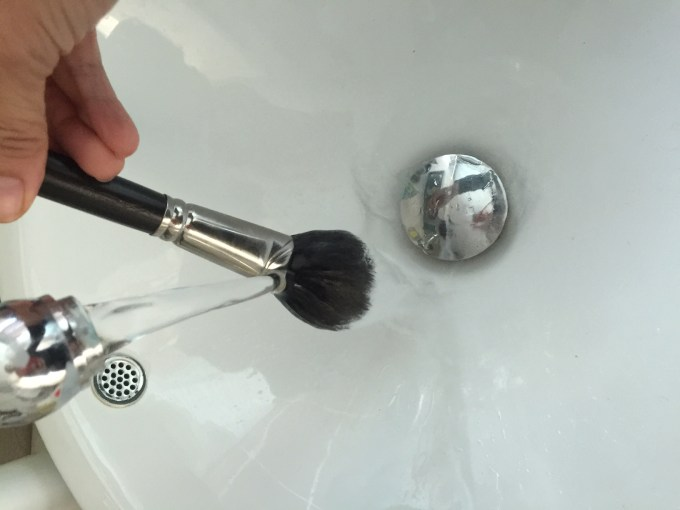 DIY BEAUTY WITH MONICA - CLEANING YOUR BRUSHES