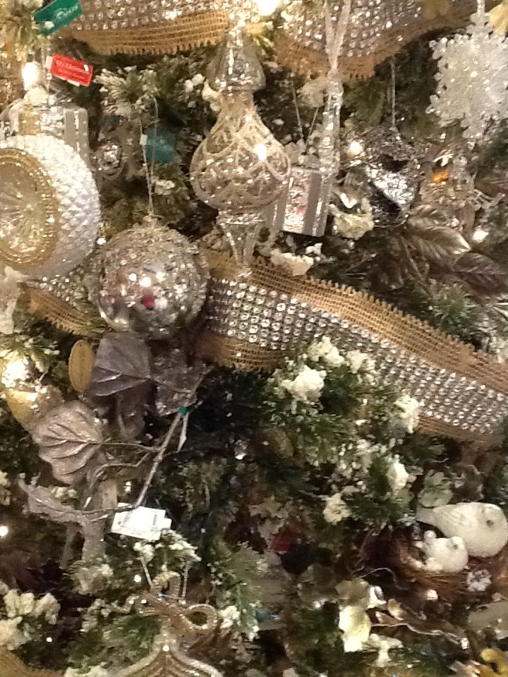 Burlap Christmas Ideas & Inspirations | My Love of Style – My Love ...