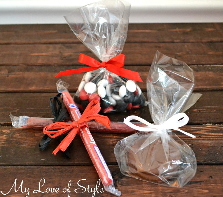 """Edible Hockey Inspired Party Favors"""