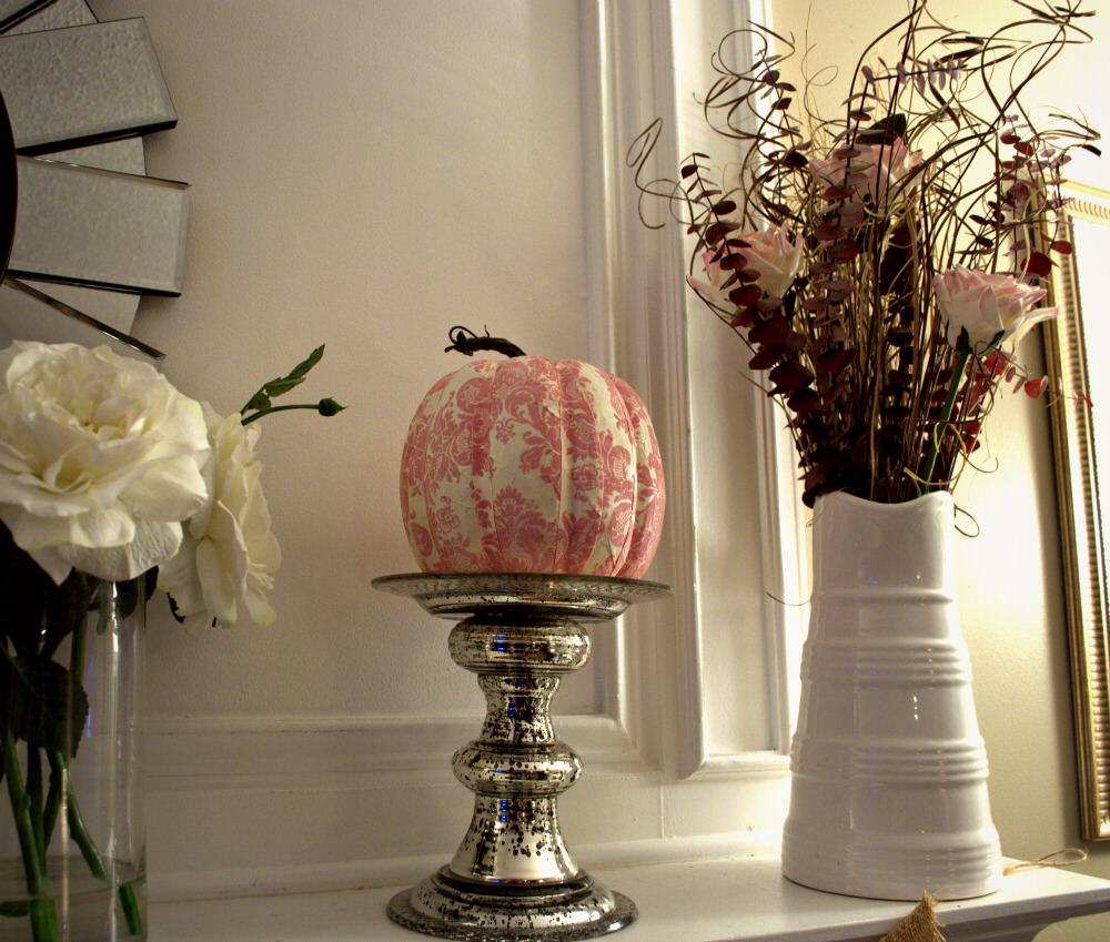 pink and white fall mantle