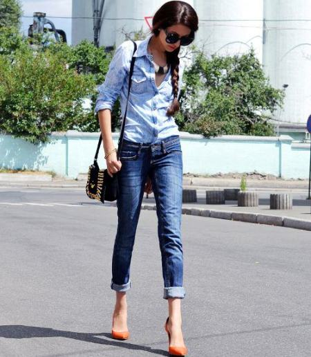Chambray Shirt with denim skinny jeans
