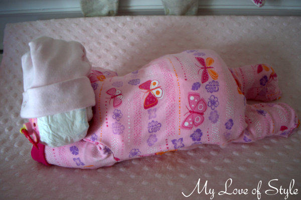 diy sleeping baby diaper cake tutorial