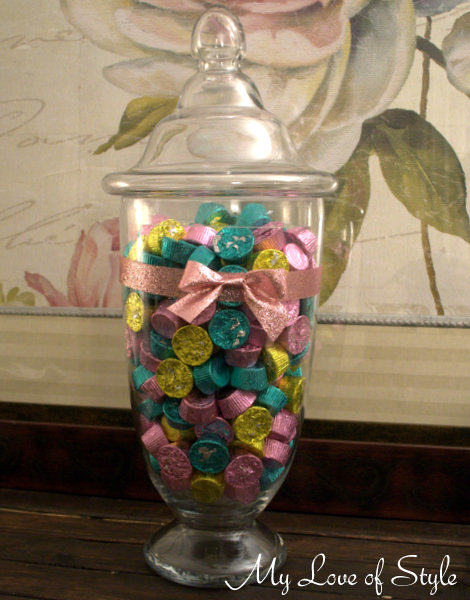 """How to make a candy jar """"appear"""" full"""