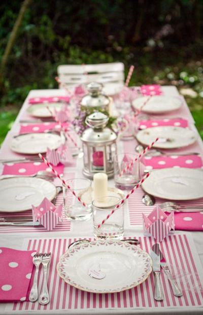 pink party with fabric linens