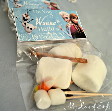 Frozen Snowman Party Favors