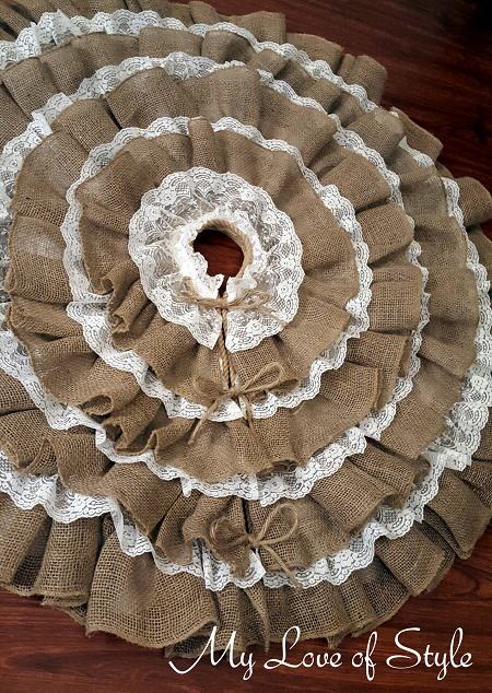 DY No-Sew Burlap and Lace Tree Skirt