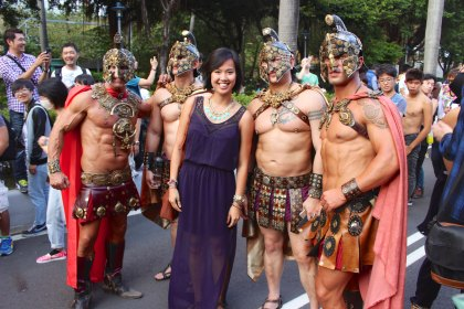 Spartans, take me - I won't resist!