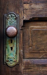 STYLISH HOME: Door knobs and handles