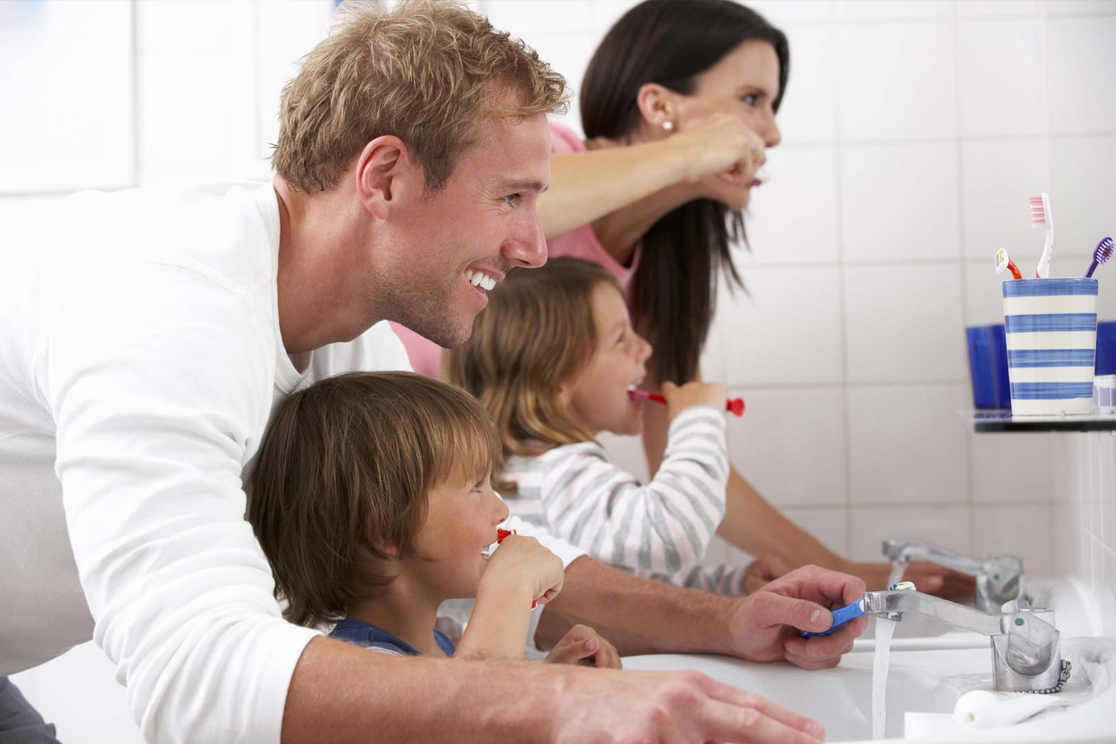 5 Teeth Cleaning Tips For Kids From Dentist Parents