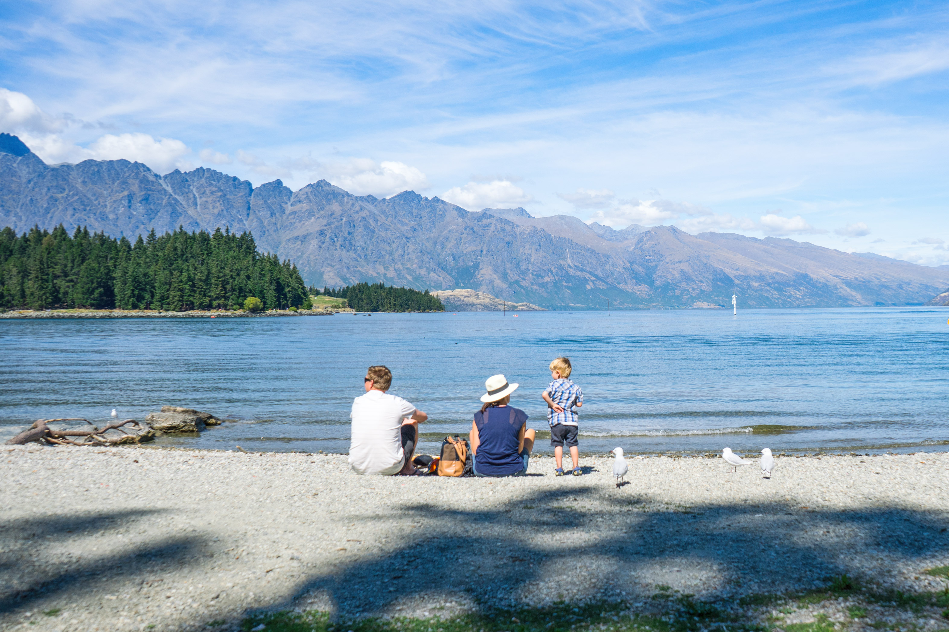 Queenstown Lake Wakatipu Family Picnic