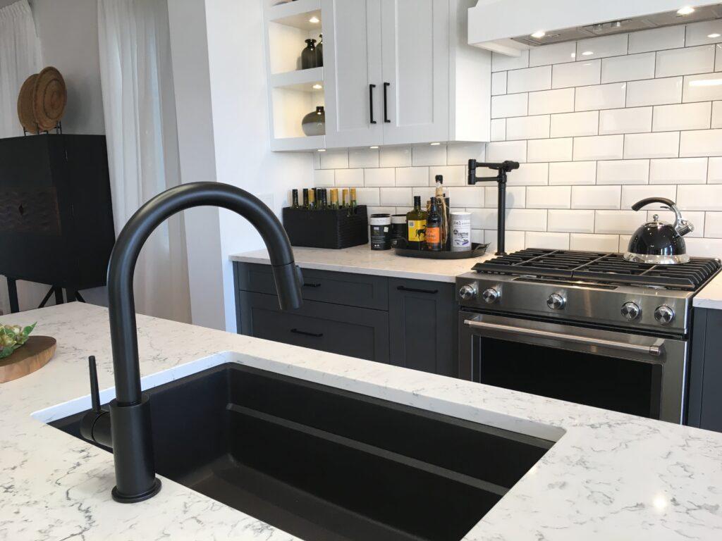 are farmhouse sinks still trendy