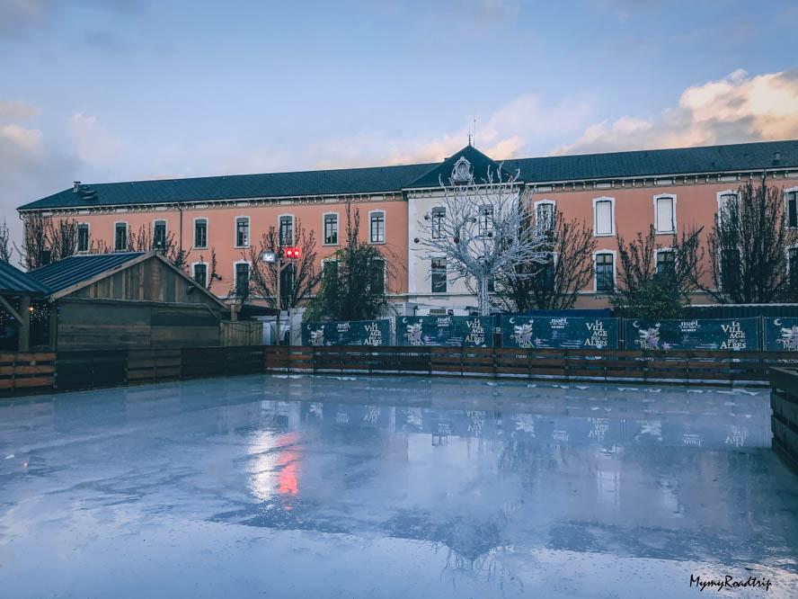 annecy village des alpes patinoire