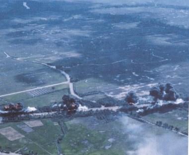 Napalm-aanval tegen Kien Phong Juni 1965