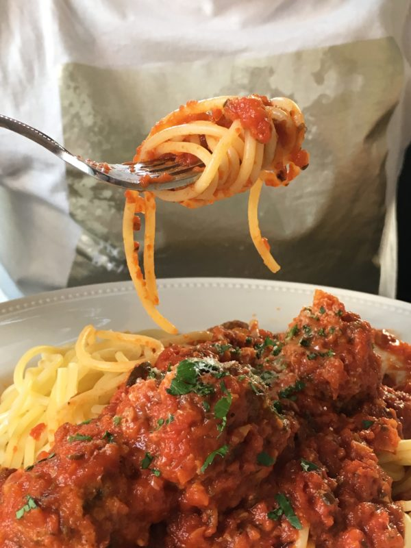 Spaghetti with (or without) meatballs