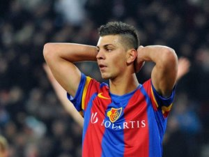 Former Arsenal target Aleksandar Dragovic will hopefully have his pal Weimann twisting his arm