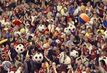 holte end beach balls