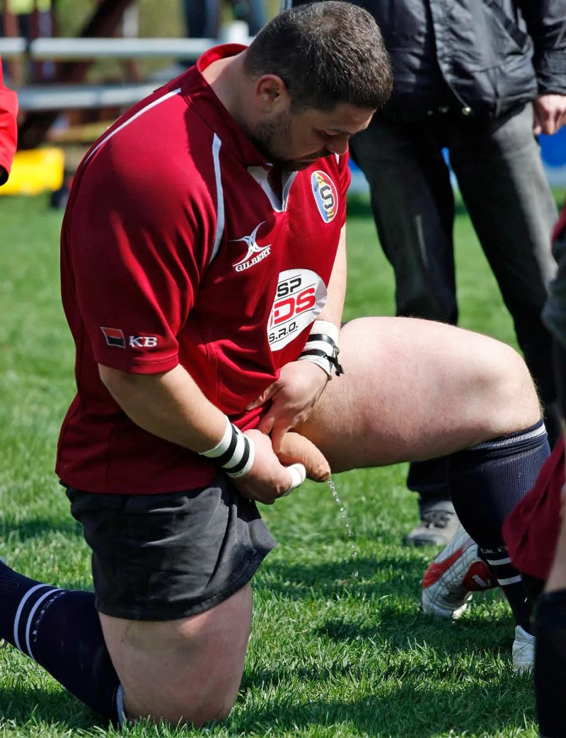 rugby-player-caught-peeing-during-match