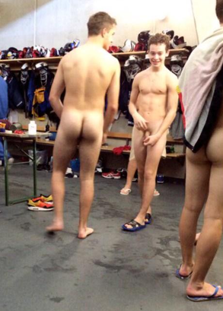 russian hockey players naked in locker room