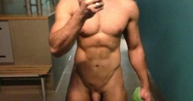 Muscle hunk +selfie + dick +locker room