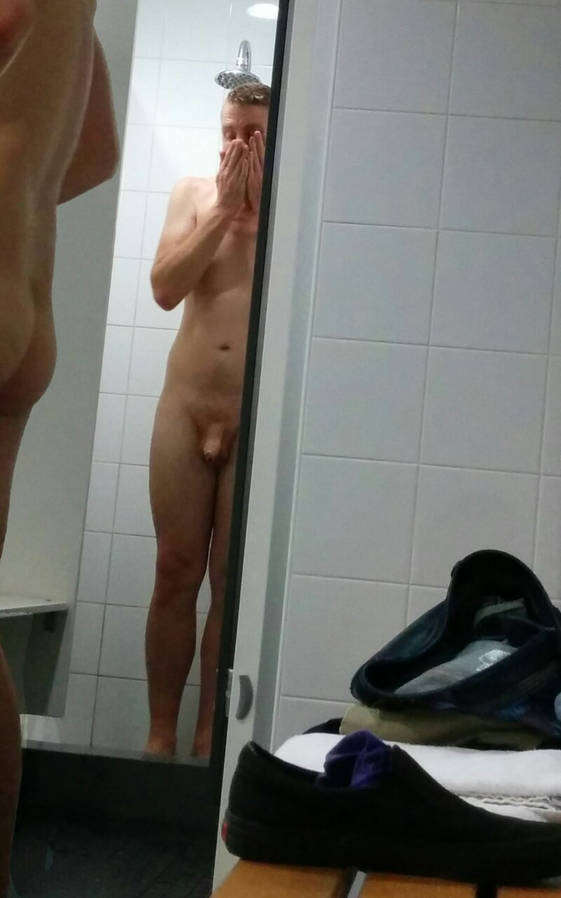 hot-guy-spied-at-showers-2