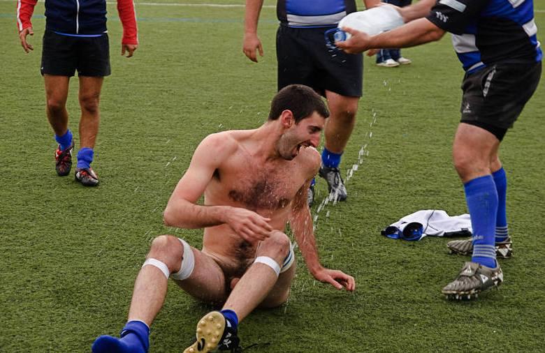 footballer-stripped