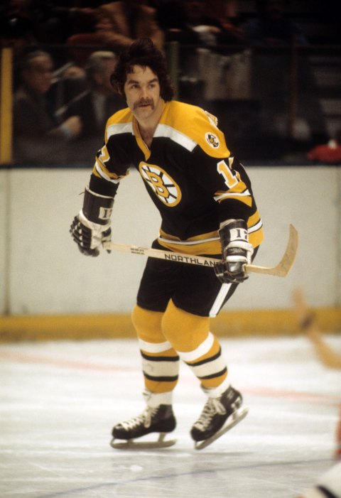 NEW YORK, NY - 1971: Derek Sanderson #17 of the Boston Bruins skates on the ice during an NHL game against the New York Rangers circa 1971 at the Madison Square Garden in New York, New York.