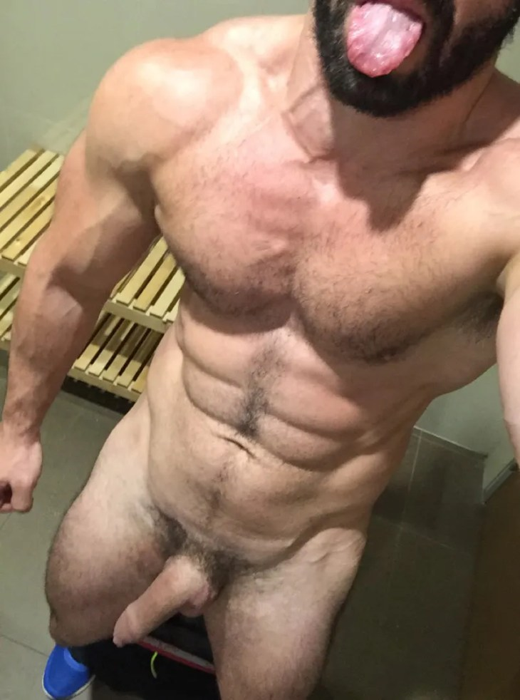 ripped-daddy-mature-stud-naked