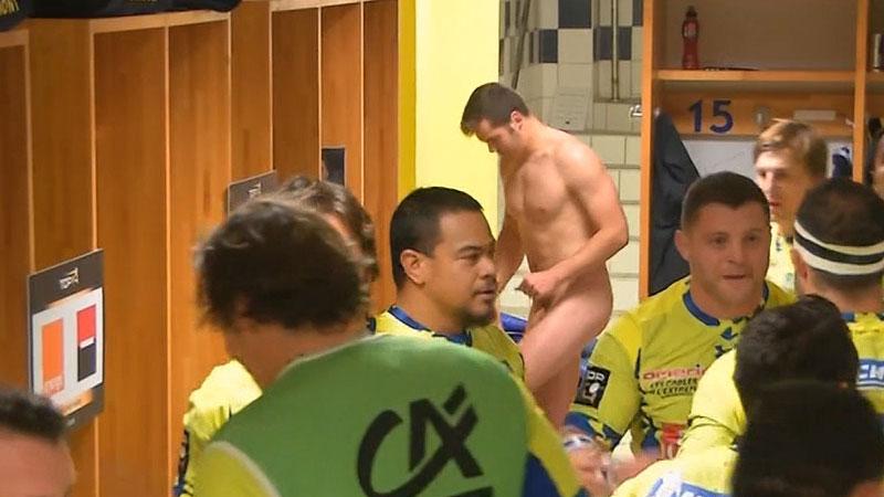 Damian-Penaud-naked-in-lockerroom-nu-vestiaires