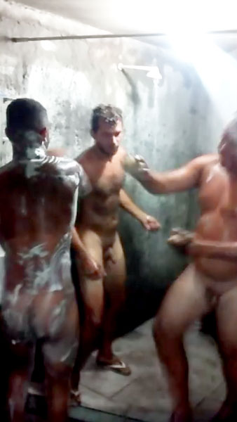 latino-mechanics-have-fun-naked-in-the-showers