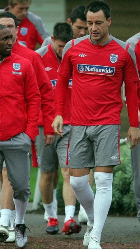 soccer-player-big-bulge