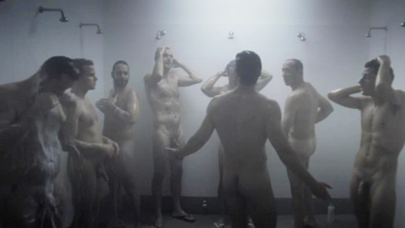 hombres-con-pollas-grandes-en-las-duchas