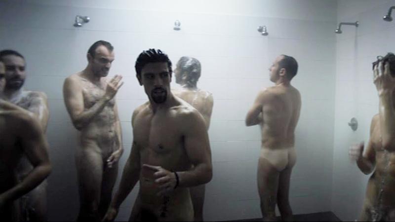 men-naked-in-showers