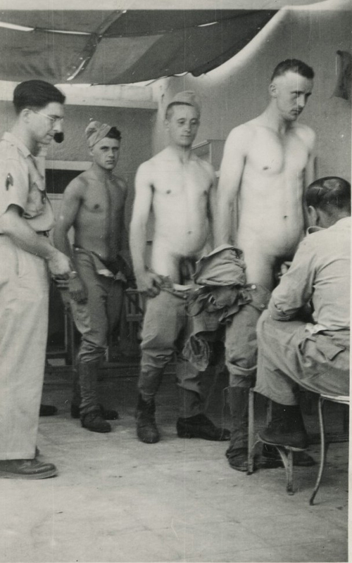 vintage-soldiers-naked-in-physical-revision