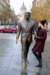 une statue de Ronald Reagan