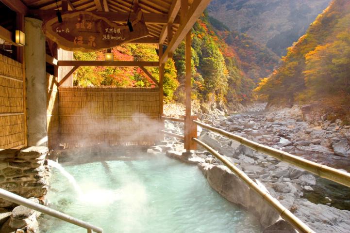 #秋季限定!不負責任嚴選全日本8大紅葉露天風呂。