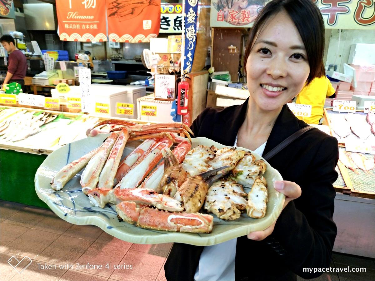 (山陰海岸地質公園)日本海側最大級的觀光海鮮市場「舞鶴港とれとれセンター」,價廉物美新鮮海產吃到夠!