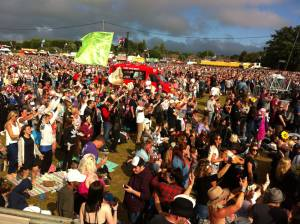 IOW sunday crowd