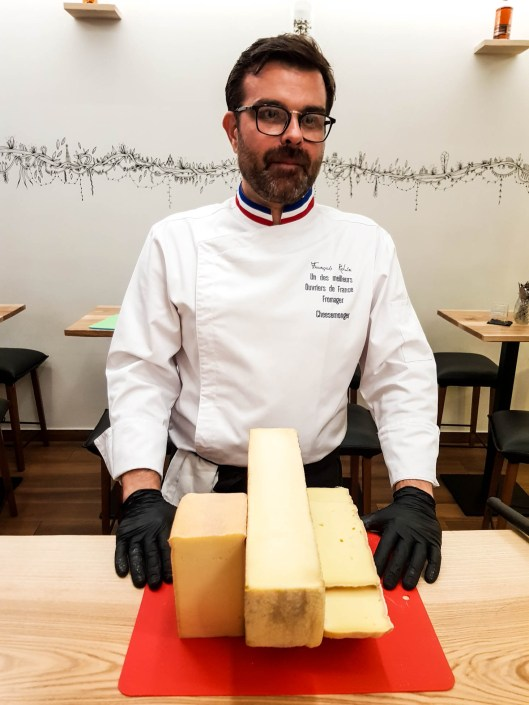 Vacherin fribourgeois AOP présenté par le meilleur ouvrier de france fromager Francois Robin