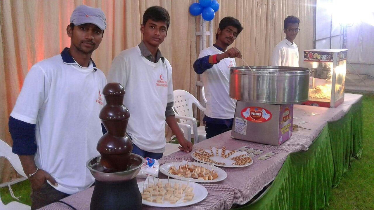 Rent Chocolate fountain Bangalore, Book your Party Call 636382488