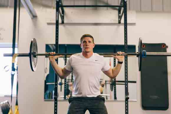 benefits of a wall mounted squat rack